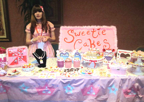 Sweetie Cakes at Chibi-Pa 2010 by XxViolentxLolitaxX