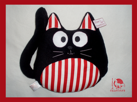 Cat pillow from Athletic footbal Club, Bilbao by Ishtar-Creations