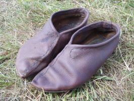 Simple leather shoes by JMahler