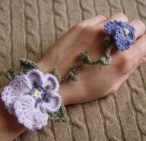 Pansy Bracelet Ring by meekssandygirl