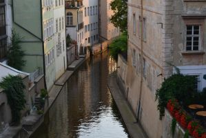 Praha canal by TheNimster