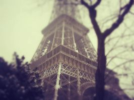 *Snowy Eiffel Tower* EDITED by OwlsomeArts