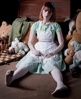 Abandoned Doll by Haphisi
