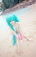 Miku - Beach Fun by Spinelo