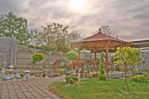 Our garden in HDR by freaky-x