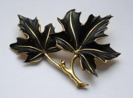 Elvish Leaf Brooch Stock by ponystock