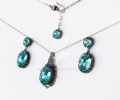 Turquoise Swarovski Jewelry Set by Aranwen