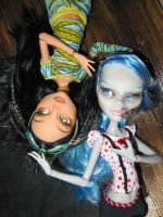 MH Custom - Ghoulia and Cleo by periwinkleimp