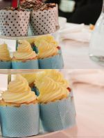 cupcakes by pukingpastilles