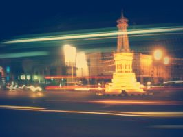 tugu Jogja at night-01 by elakzart