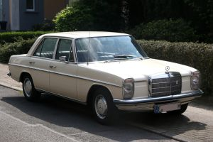 Mercedes Benz 200 by Budeltier