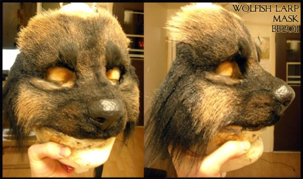 Black wolven mask by Magpieb0nes
