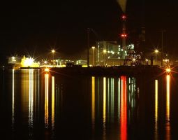 Night Exposure At Port Kiel by sandor99