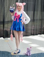 Chibi Moon by EriTesPhoto