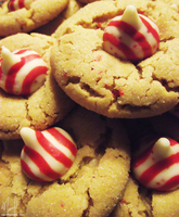Candy Cane Kiss Cookies by NailoSyanodel