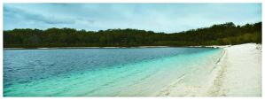 Lake McKenzie by thomasdelonge