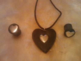 Black heart Plugs + necklace by StuffiezPlz