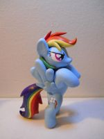 Rainbow Dash by EarthenPony