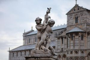 Statue at square in PIsa by smatsh