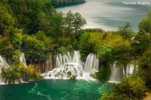 Plitvice park by Behindmyblueeyes