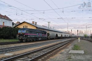 0659 001 with freight in Gyor in december, 2012. by morpheus880223
