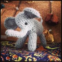 Itty Bitty Elephant by YarnHoardingDragon