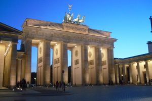 Brandenburger Tor in der Nacht by MelodiousIXNocturne