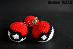 Pokeball amigurumi by Anxocunningham