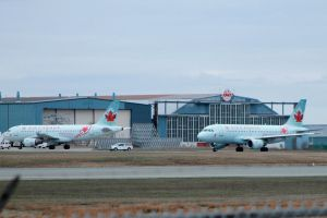 Air Canada Airbus twins by tdogg115
