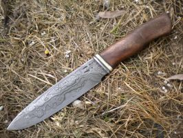 Large damascus knife with walnut by hellize