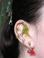 Ear Vines - Leaf and Berries by lavadragon