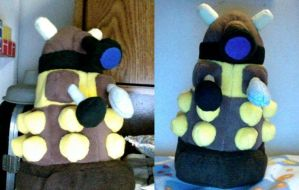 Dalek Plushie by HenryHatsworth