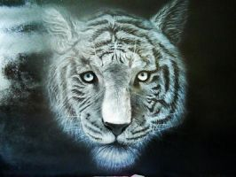 white tiger by JuliaBullet