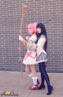 Madoka Magica: Madoka and Homura Cosplay by AurumCosplay