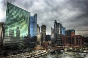 333 Wacker, Chicago River by spudart