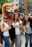 Pink Saturday 2013 Friends and Lion Mascotte by Joshua-Mozes