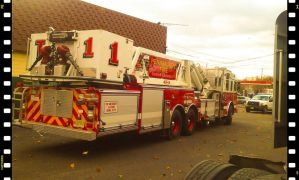 100ft Ladder Truck by morningstarskid