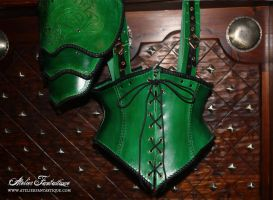 Elfic green leather corset with spaulder by AtelierFantastique