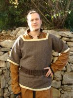 Viking upper tunic by Bear-Crafter