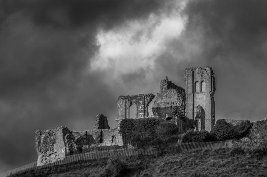 Corfe Castle by misa2525