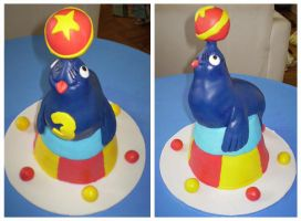 Circus Seal cake by Cakerific