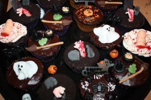 Halloween Cupcakes 1 by peeka85