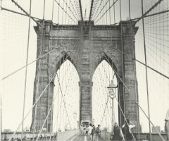 Brooklyn Bridge print by Robin-Bervini