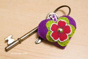 heart-flower keyring by nandiamond