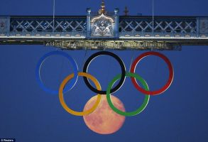 Moon and Olympic rings by fredrickburn