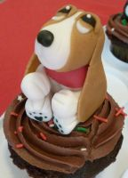 Basset Hound cupcakes (Basset number 1) by Marce07