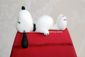 Snoopy Cake by zoesfancycakes