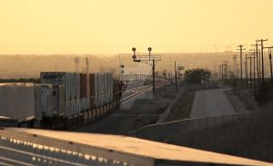 BNSF 7504 approaching the signals by photogatlarge