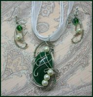 Jade Elegance Matching Wire Wrapped Set by balthasarcraft