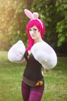 Battele Bunny Vi cosplay - League of Legends by SuzySilence